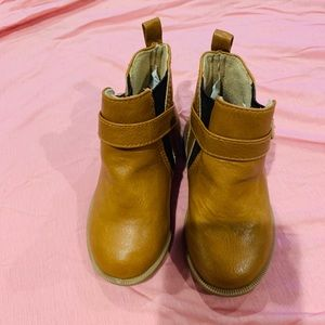Crazy 8 Brown Little Girls Boots size 4